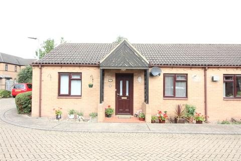 2 bedroom semi-detached bungalow for sale - Hawthorn Avenue, Hull