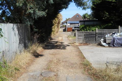 2 bedroom bungalow for sale - Wayne Road, Poole