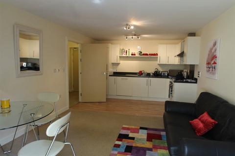 2 bedroom flat to rent - Overstone Court, Cardiff (2 Bedroom)