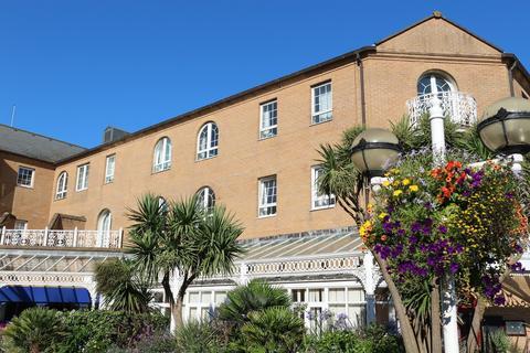 2 bedroom apartment to rent - Starboard Court, Brighton Marina Village