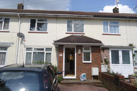 3 bedroom terraced house to rent - Hunter Road, Crawley RH10