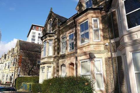 1 bedroom ground floor flat to rent - Howard Gardens, Cardiff
