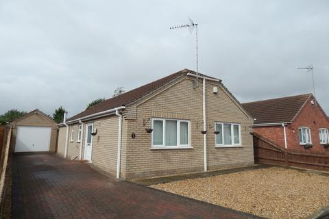 3 bedroom bungalow for sale - Walnut Close, Wisbech St. Mary, PE13