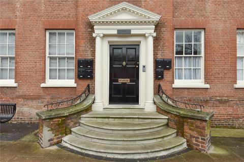 2 bedroom apartment for sale - High Street, Alton, Hampshire, GU34