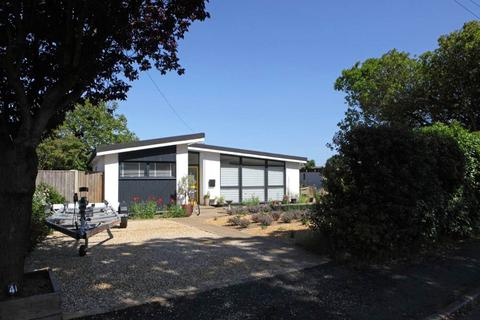3 bedroom bungalow for sale - Aldeburgh
