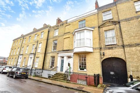 1 bedroom apartment to rent - St Peter Street, Winchester, Hampshire, SO23