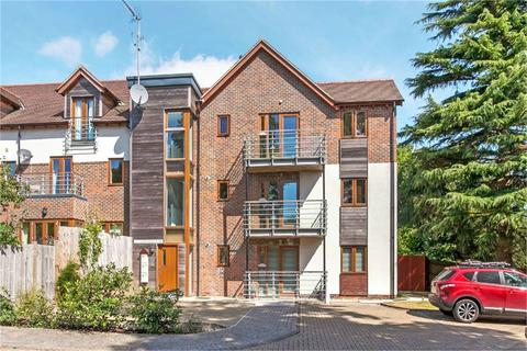 1 bedroom apartment to rent - Edwards Close, Kings Worthy, Winchester, Hampshire, SO23