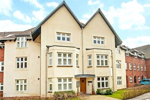 2 bedroom apartment to rent - Highcroft Road, Winchester, Hampshire, SO22
