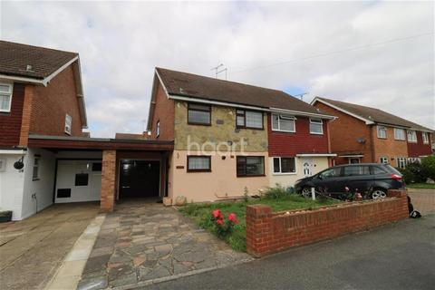 3 bedroom semi-detached house to rent - Meadway