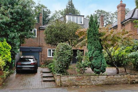 6 bedroom detached house to rent - Home Park Road, London, SW19