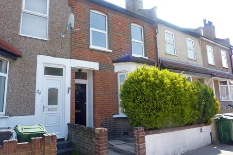3 bedroom terraced house to rent - Luton Road, London