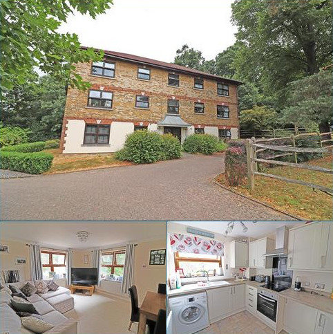 2 bedroom flat for sale - Alpine Road, Redhill