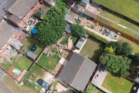 3 bedroom detached bungalow for sale - St. James Lane, 4 gardens!!!
