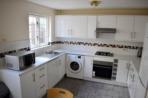 5 bedroom terraced house to rent - Keats Close,  London, SE1