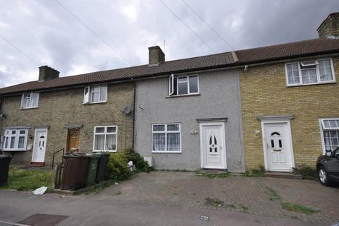 3 bedroom terraced house to rent - Downing Road, Dagenham