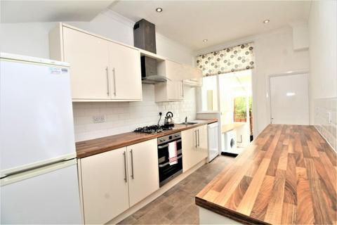 3 bedroom terraced house to rent - Garden Road,  London, SE20