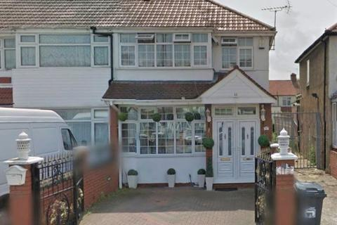 3 bedroom semi-detached house to rent - Derley Road, Southall