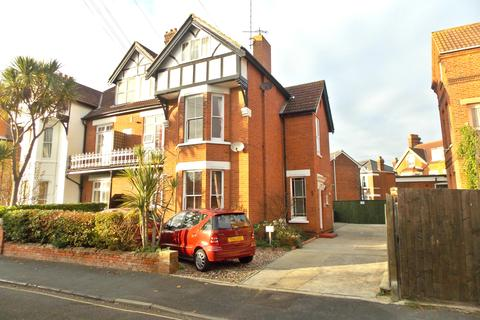 2 bedroom apartment to rent - Montague Road, Felixstowe
