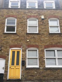 2 bedroom flat to rent - Barnard Mews, London