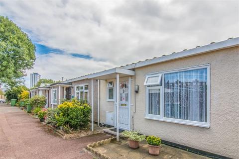 2 bedroom terraced bungalow for sale - Boyce Way, Plaistow, London