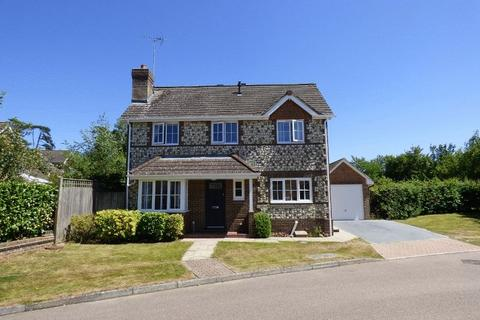 3 bedroom detached house for sale - Blunden Drive, Cuckfield