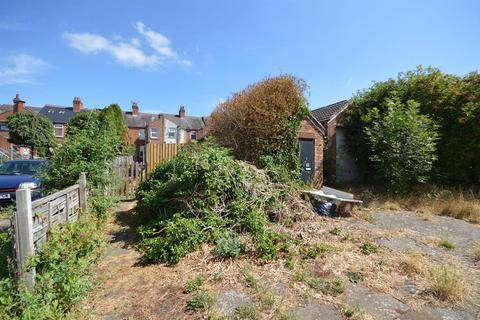 3 bedroom property with land for sale - Hampshire Road, Aylestone, Leicester, LE2 8HF