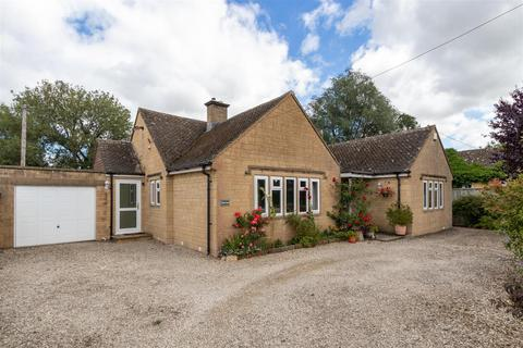 3 bedroom detached bungalow for sale - Rissington Road, Bourton on the Water, Gloucestershire