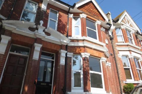3 bedroom maisonette to rent - St. James's Avenue, Brighton
