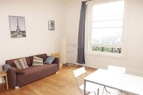 2 bedroom flat to rent - Lord Montgomery Way