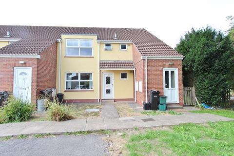 2 bedroom flat to rent - St Clements Court, Keynsham, Bristol