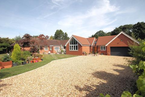 4 bedroom bungalow for sale - Holmes Chapel Road, Over Peover
