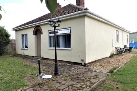 5 bedroom bungalow for sale - Bungalow & Annexe, High Road Whaplode