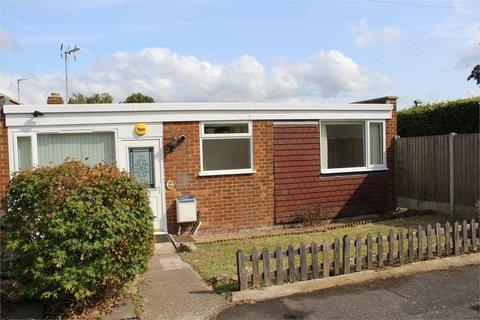 2 bedroom detached bungalow for sale - Cowbeck Close, Parkwood, Gillingham, Kent