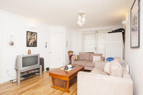3 bedroom apartment to rent - Surrey Quays, London