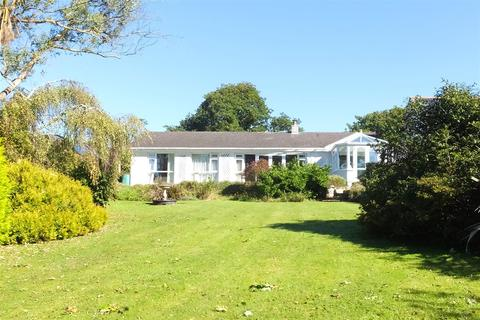 4 bedroom detached bungalow for sale - Scarcewater Vean, St. Clement, Truro