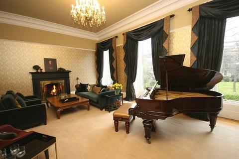 4 bedroom townhouse to rent - Lansdowne Crescent, Edinburgh