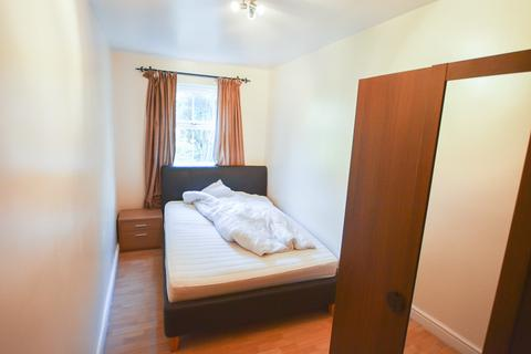 1 bedroom house share to rent - Leigh Hunt Drive, London, N14