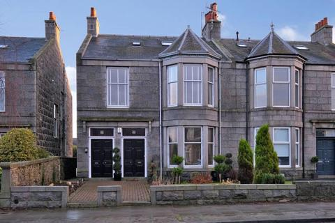 3 bedroom apartment to rent - Cromwell Road, Aberdeen, AB15