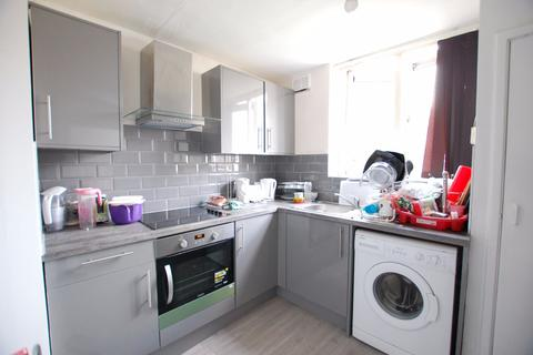 3 bedroom apartment to rent - St Georges Close, Sheffield S3