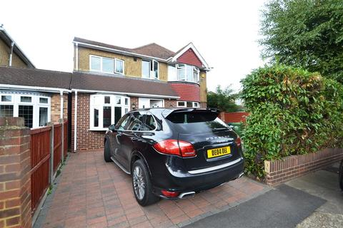 4 bedroom detached house for sale - Stanwell Gardens, Stanwell