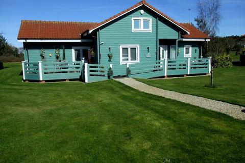 5 bedroom lodge for sale - Fairway Lakes, Caldecott Hall.