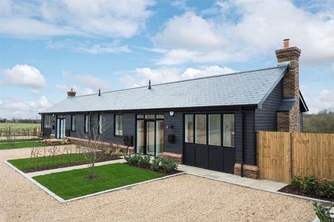 2 bedroom semi-detached bungalow for sale - Stansted, Sevenoaks, Kent