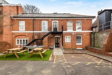 1 bedroom flat share to rent - West Hill House, Winchester