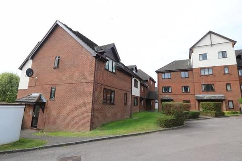 Studio to rent - Sovereign Court, Town Centre - Available from 6th October