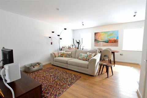 2 bedroom apartment for sale - Central Court, Peterborough