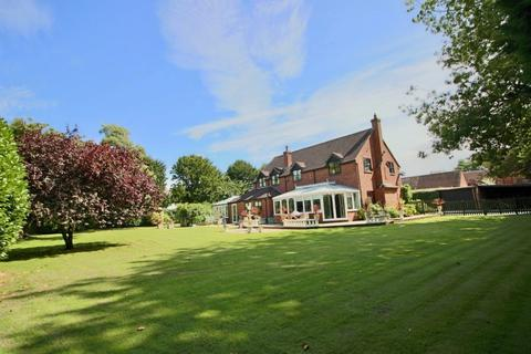 5 bedroom detached house for sale - Sutherland House, 42a Muxton Lane, Muxton