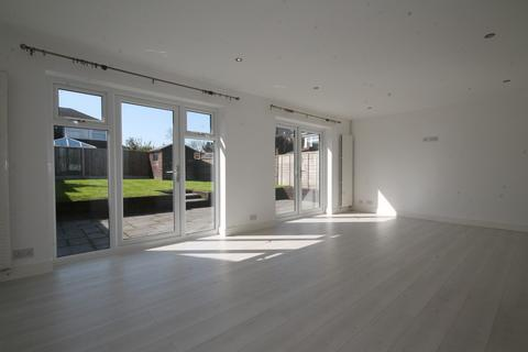 3 bedroom detached house to rent - The Green, Castle Donington, Derby