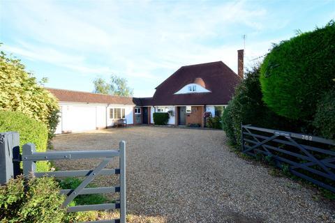 4 bedroom cottage for sale - Thorpe Road, Longthorpe, Peterborough