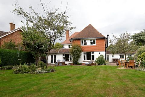 4 bedroom detached house for sale - Thorpe Road, Longthorpe, Peterborough