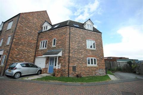 3 bedroom townhouse for sale - Scholars Gate, Garforth, Leeds, LS25